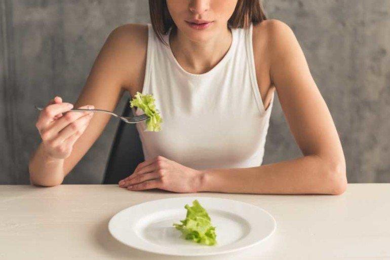5 причин плохого самочувствия в первую неделю новой диеты
