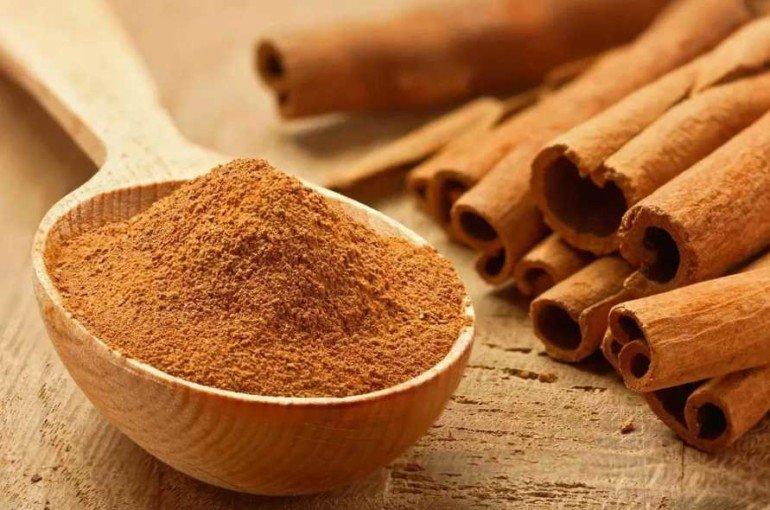 Какие эфирные масла сделают кожу губ идеально гладкой