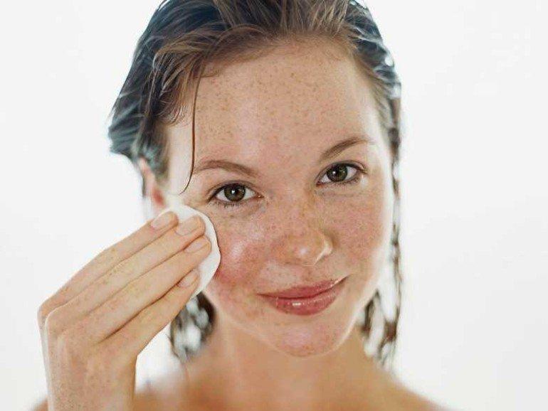 Как отбелить веснушчатую кожу с помощью сока петрушки