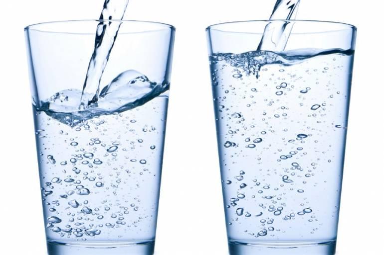 пить воду с утра
