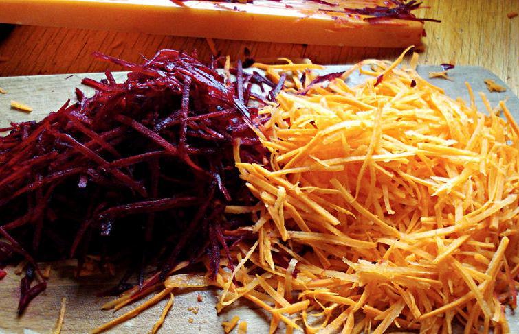 тертая морковь и свекла