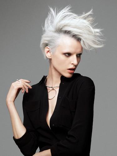 Какая стрижка подойдет для круглого лица женщине: фото самых модных причесок